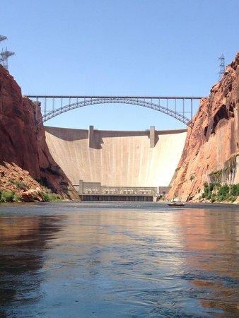 Colorado River Discovery : Glen Canyon