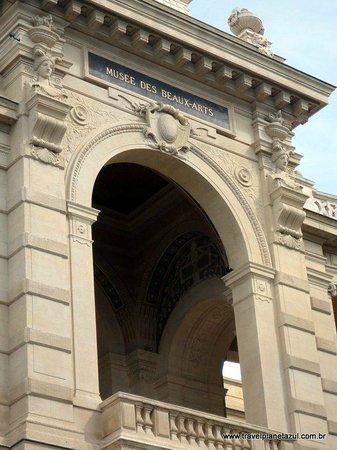 Palais Longchamp: longchamps palace