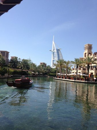 Jumeirah Dar Al Masyaf at Madinat Jumeirah: Trip of the canoe