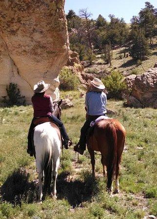 Badger Creek Ranch: Interesting rock formations