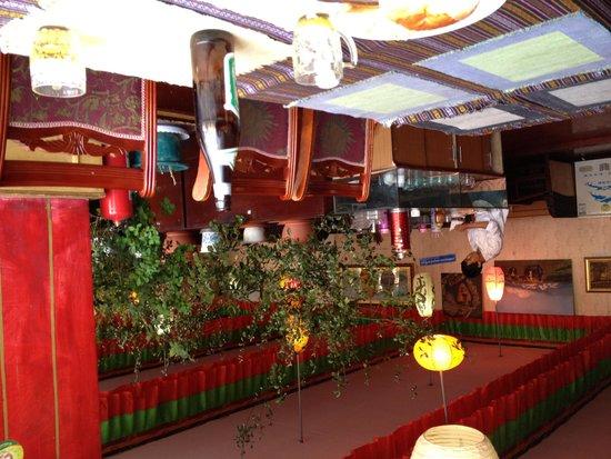 XiZang Man Zhai Restaurant : New Mandela 2nd Floor Interior