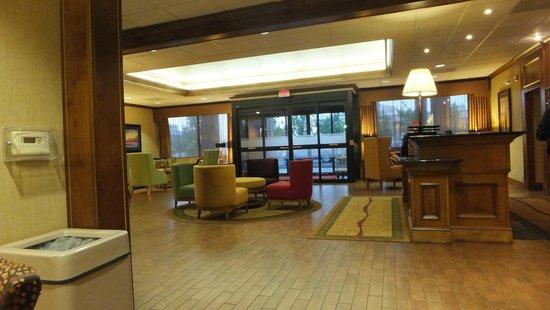 Hampton Inn Saint Robert/Fort Leonard Wood: Front Desk Area 1