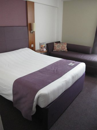 Premier Inn London Kensington (Earl's Court) Hotel : Double room