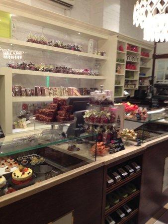 "Schroter""s Leib und Seele: chocolate delicacies"