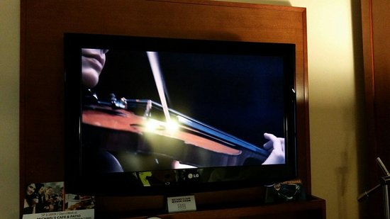 Four Points by Sheraton Long Island City Queensboro Bridge: 32 in Tv