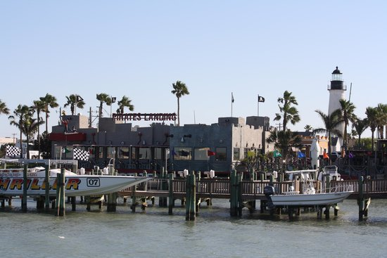 Queen Isabella State Fishing Pier: entrance to pier