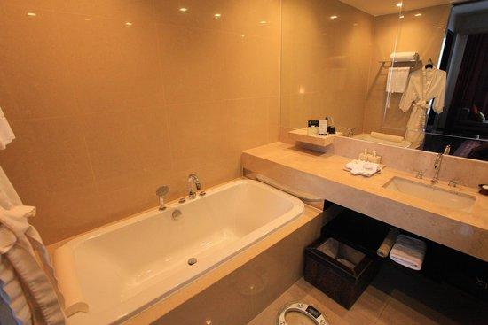 VIE Hotel Bangkok - MGallery Collection : Bathtub