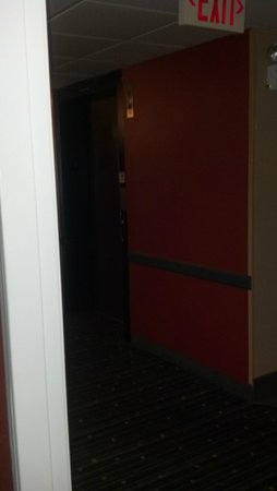 Comfort Inn  - Pittsburgh / Steubenville Pike: View of elevator from my room door