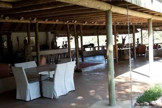 Tanda Tula Safari Camp : Main gathering area...