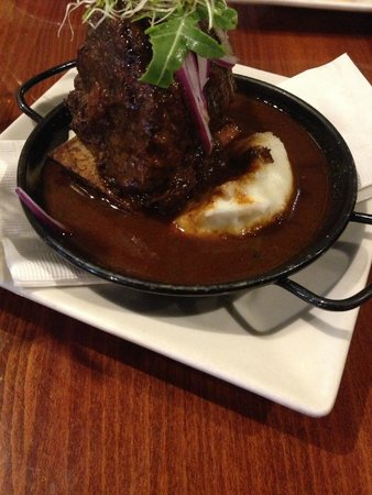 Mojito's Tapas Restaurant: Short Ribs  (SO MUCH GOODNESS!)