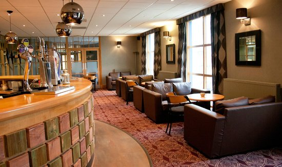 Castlecary House Hotel: Camerons Lounge