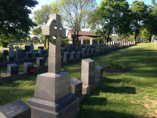 Fairview Lawn Cemetery : フェアビュー墓地