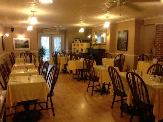 Waverley Inn: 朝食の部屋
