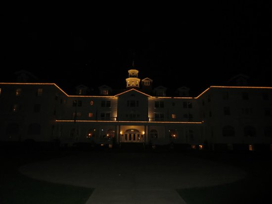 Stanley Hotel: The Stanley at night