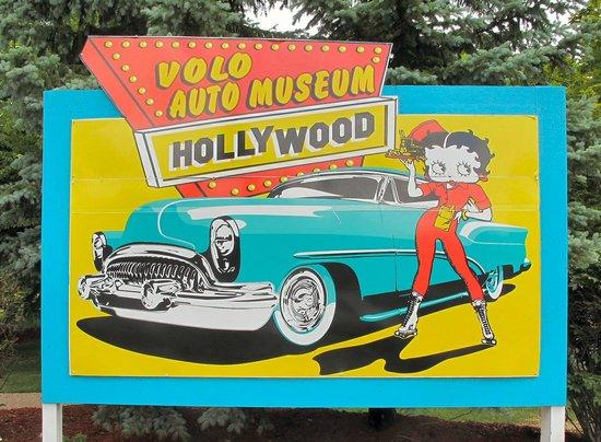 Volo Auto Museum: Entrance Sign