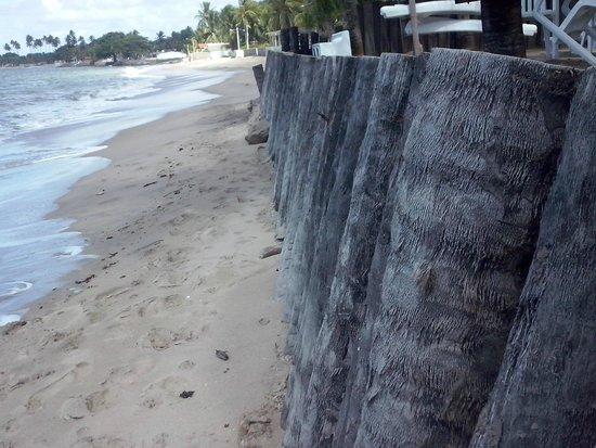 Pousada Vivenda Oriente : Praia de frente ao hotel