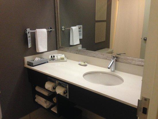 Cambridge Suites - Halifax: バスルーム