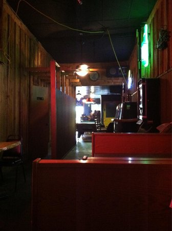 Two Bit Saloon : Long hallway back to bar area from rear booths