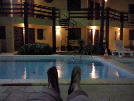 Pousada Vivenda Oriente : área da piscina - frente para os quartos
