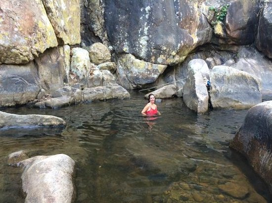 Ba Ho Waterfall: cool water
