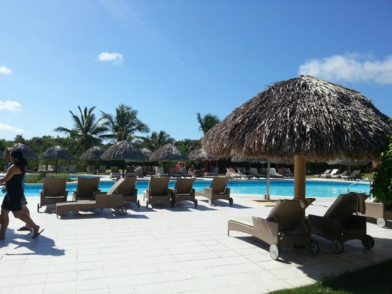 Catalonia Bavaro Beach, Casino & Golf Resort: Piscina