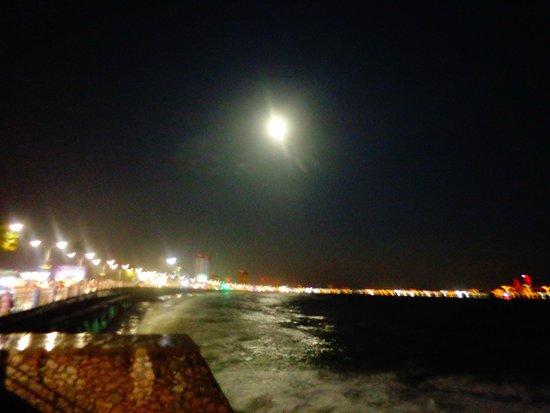 Malecon : malecón de noche