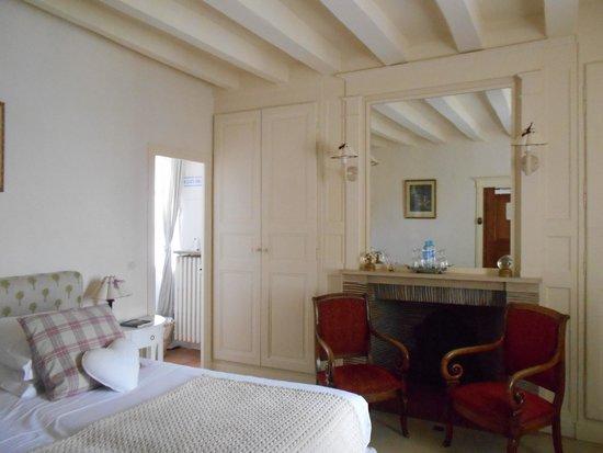 Auberge du Bon Laboureur: The bedroom