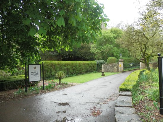 The Manor House Hotel and Golf Club: The entrance