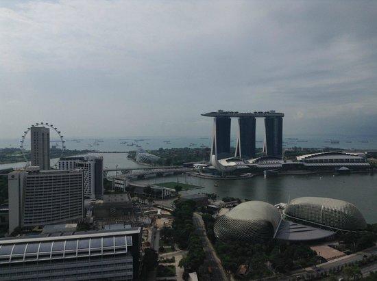 Swissotel The Stamford Singapore: Veiw of Marina Bay Sands daytime