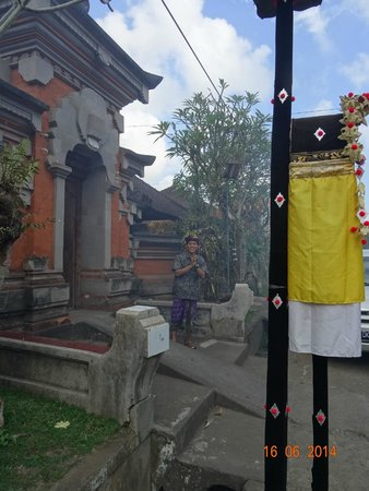 Bali Traditional Tours - Day Tours: Traditional Bali house visit