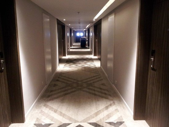 Sheraton Tunis Hotel: Renovated hall in second floor