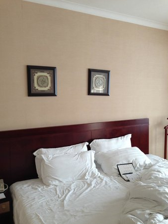 Rosedale Hotel & Suites : 朝 撮ったので、寝た後です。すみません。