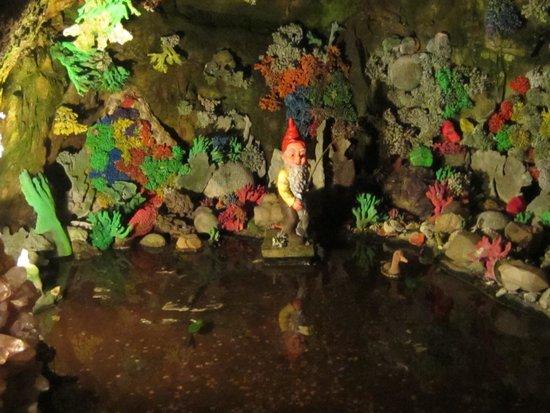 Rock City Gardens: more gnomes