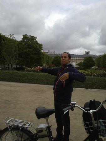 Paris Charms & Secrets Tours : Our guide