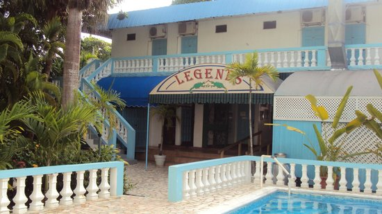 Legends Beach Hotel: More room, plus bar and restaurant