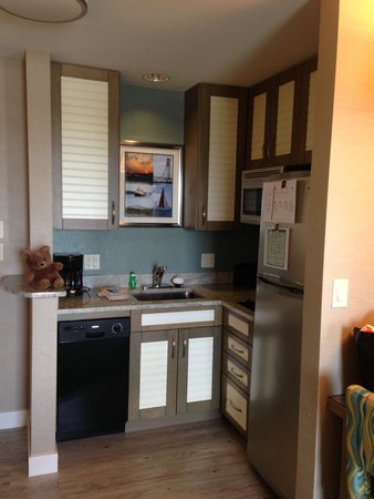 Residence Inn Portsmouth Downtown/Waterfront: Kitchen