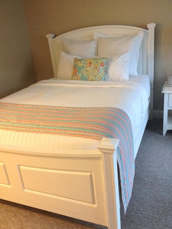 Oakwood Resort: Very comfy bed