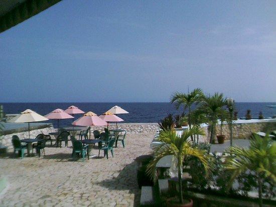 Samsara Cliffs Resort: View from the bar area