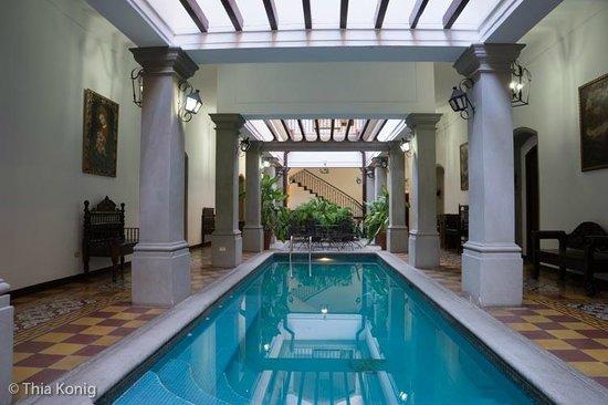 La Gran Francia Hotel y Restaurante: Pool courtyard