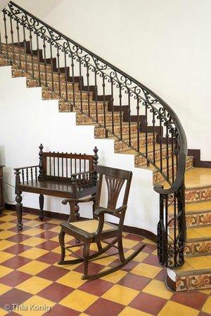La Gran Francia Hotel y Restaurante: stairway