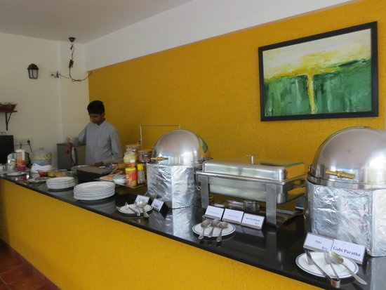 juSTa Off MG Road, Bangalore: Frühstücksbuffet
