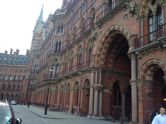 St. Pancras Renaissance Hotel London: Breathtaking!