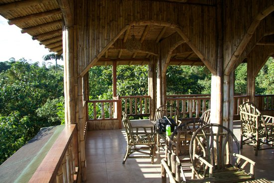 San Jorge Eco-Lodge & Botanical Reserve: The dining area in the middle of Nature!