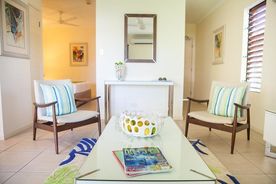 Freestyle Resort Port Douglas: Lounge Room
