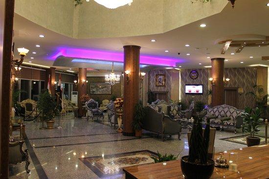 Altin Malak Plaza Hotel
