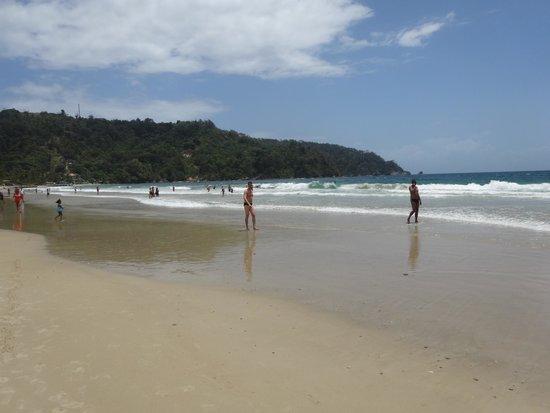 Vista da praia de Maracas Bay.