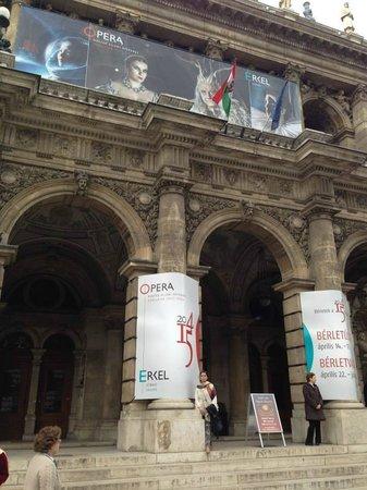 Hungarian State Opera House (Magyar Allami Operahaz) : frente
