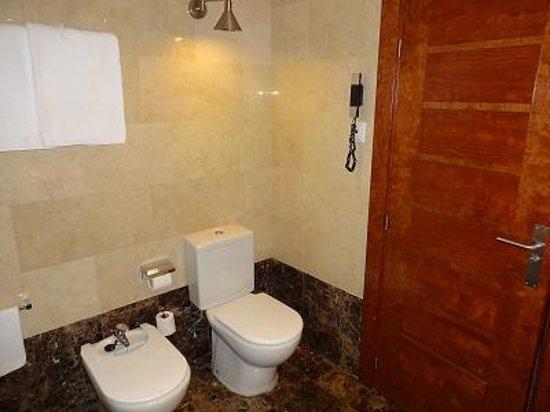 7 Islas Hotel: ビデ付きトイレです