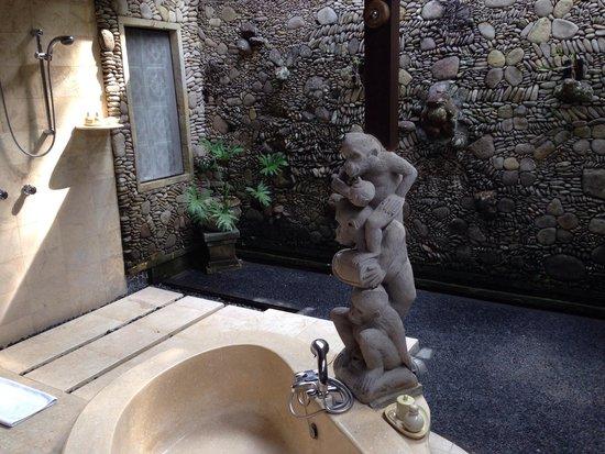 Pita Maha Resort and Spa: Badezimmer teilweise unter freiem Himmel