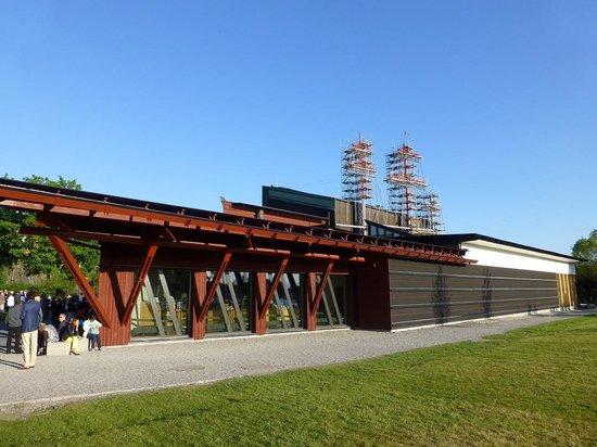 Vasa Museum: 帆柱が飛び出しています.